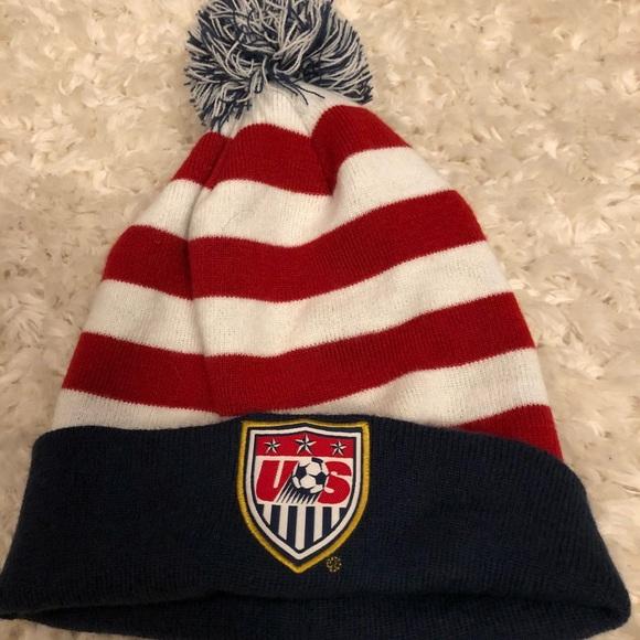 bfe4466e76f186 USA Soccer Winter Knit Hat Beanie. M_5b6294ebdcfb5a2d532b6a8f